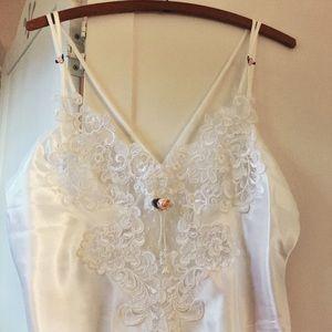 *NWT* Vintage nightgown/slip